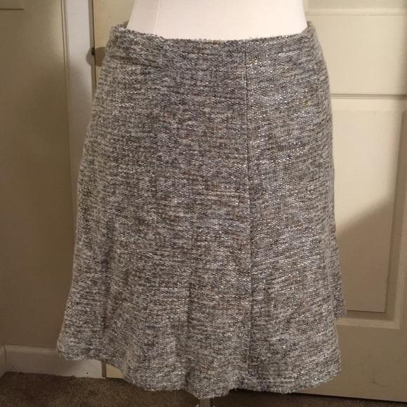 Ann Taylor Dresses & Skirts - Ann Taylor petite short skirt!